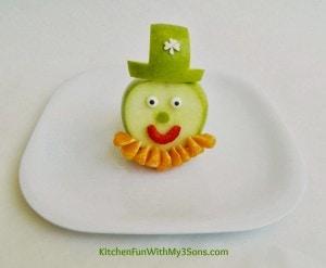 St-Patricks-Day-Leprechaun-Fruit-Snack
