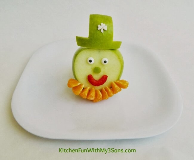 St-Patricks-Day-Leprechaun-Fruit-Snack