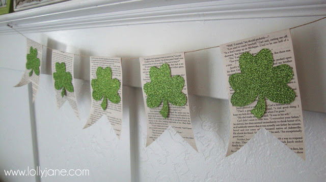 St. Patricks Day easy shamrock banner