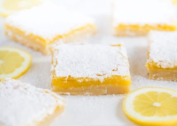 lemon bars with powdered sugar