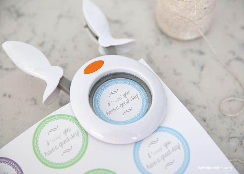 Soap gift idea with free printable on iheartnaptime.net