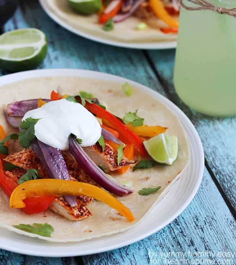 Easy Chicken Fajitas on iheartnaptime.com