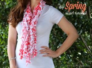 diy-Spring-Scarf-Tutorial-via-PinkWhen.com_.jpg-541x400