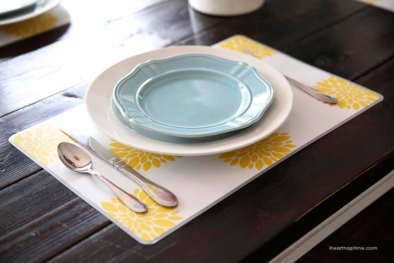 Colorful placemats for Spring