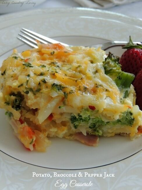 ... {Link Party Features} » Potato-Broccoli-Pepper-Jack-Egg-Casserole