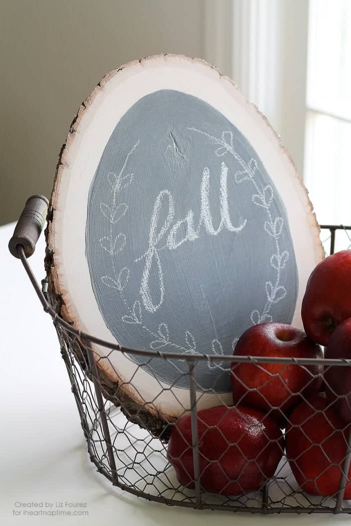 DIY Fall Chalkboard Sign on iheartnaptime.com