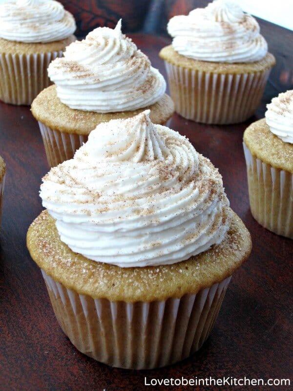 Snickerdoodle-Cupcakes-e1409718406725