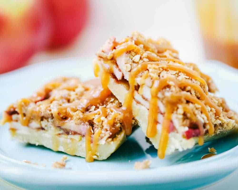 apple pie bars with salted caramel drizzle