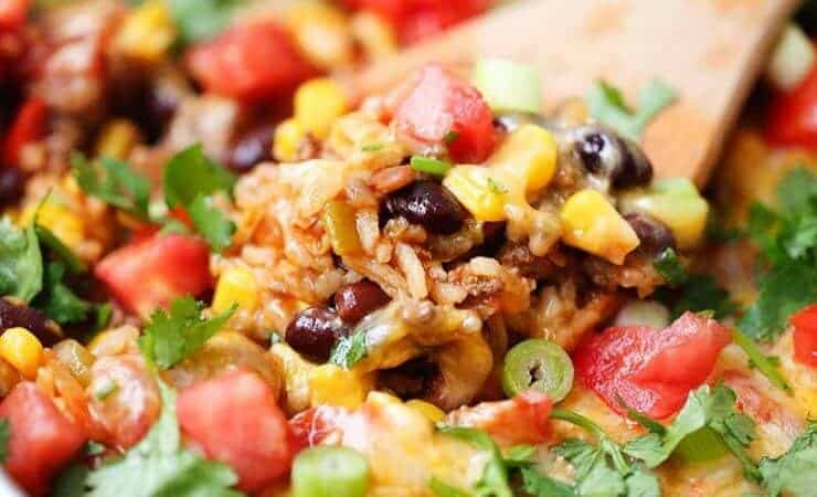 One pot burrito bowls recipe- easy and delicious one pot meal! This dinner recipe is made in one pot in 30 minutes ...making clean up a breeze. Perfect for busy week nights!