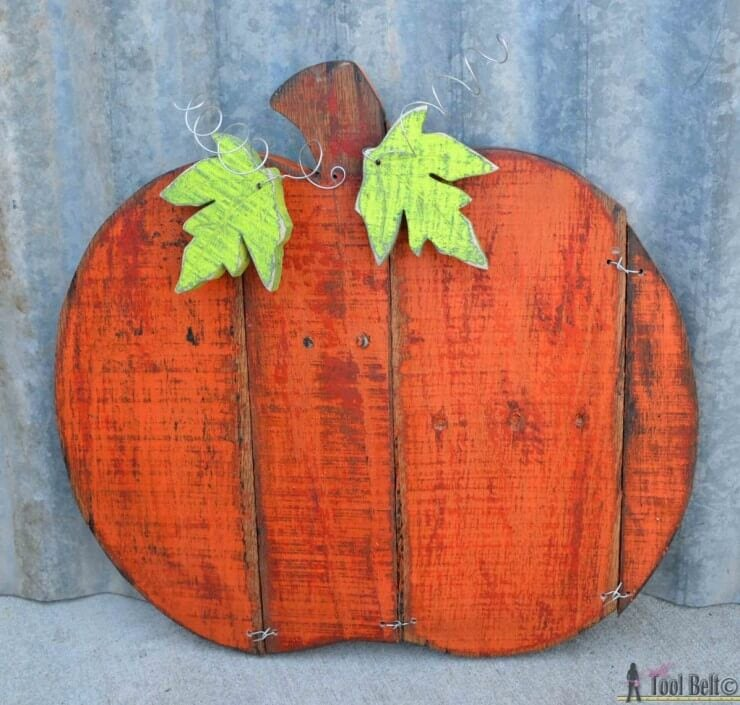 Rustic-pallet-pumpkin-overview-1024x976