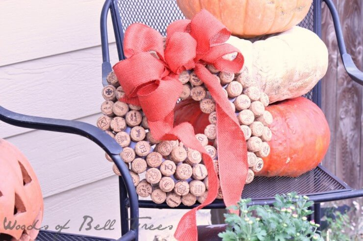 autumn-fall-decor-wreath-cork-champagne-ideas-craft-diy-project-upcycle-4-1024x682