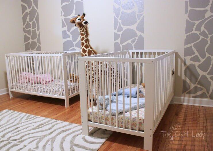 DIY Giraffe Wall