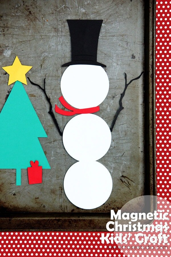 Magnetic Christmas Kids Craft from Sweet Rose Studio on iheartnaptime.com