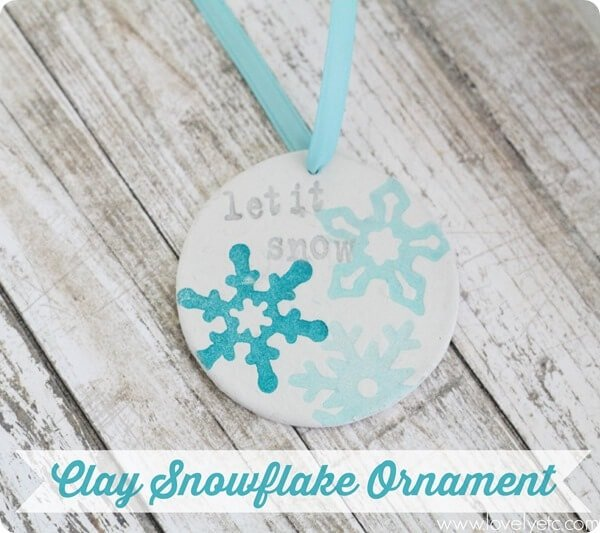 diy-clay-snowflake-ornament_thumb