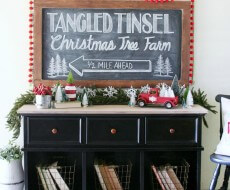 Vintage-Inspired-Christmas-Decor-9