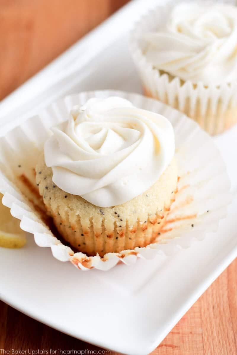 Lemon Poppyseed Cupcakes on iheartnaptime.com