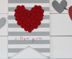 DIY-Valentines-Day-Heart-Sign