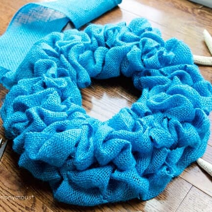 Summer Burlap Wreath by Linda for iheartnaptime.com