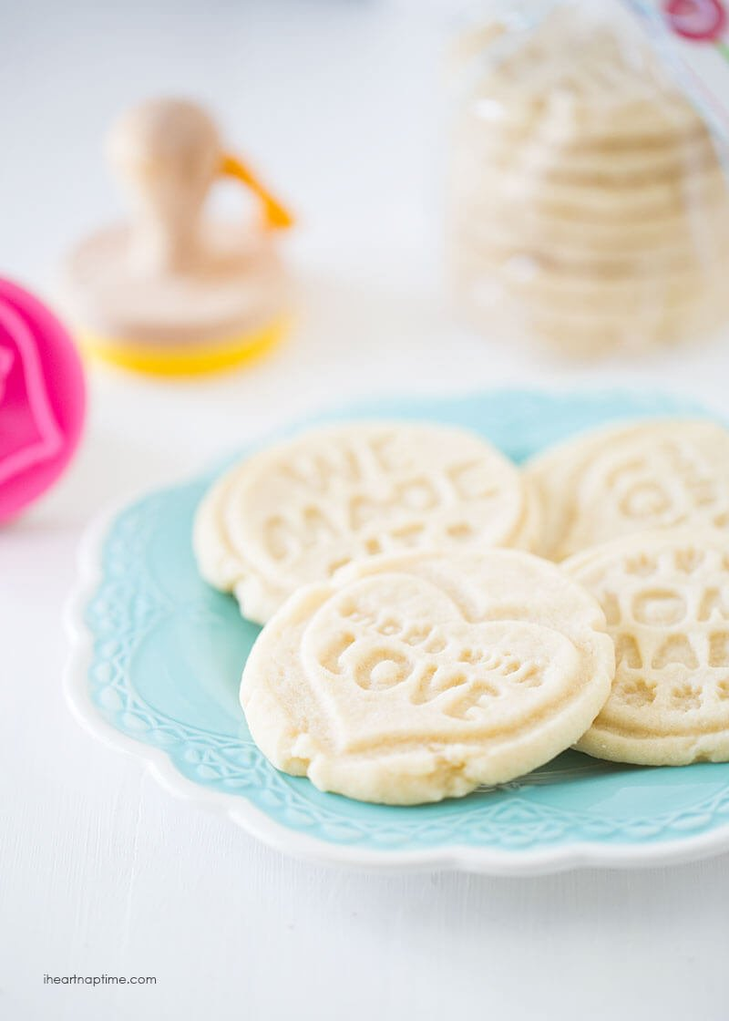 stamped sugar cookies on iheartnaptime.com