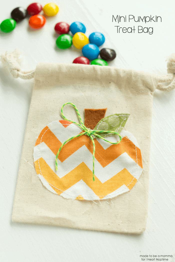 mini pumpkin treat bag