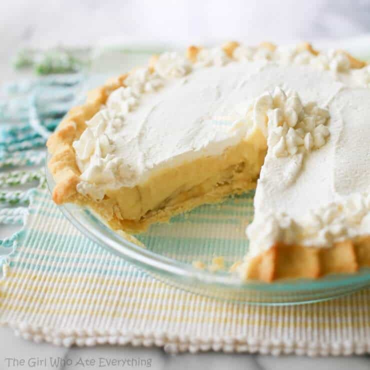 banana cream pie with a slice taken out