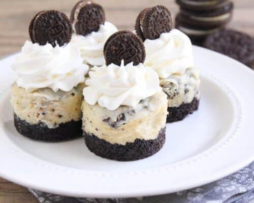 Cookies and Cream Cheesecake on iheartnaptime.com