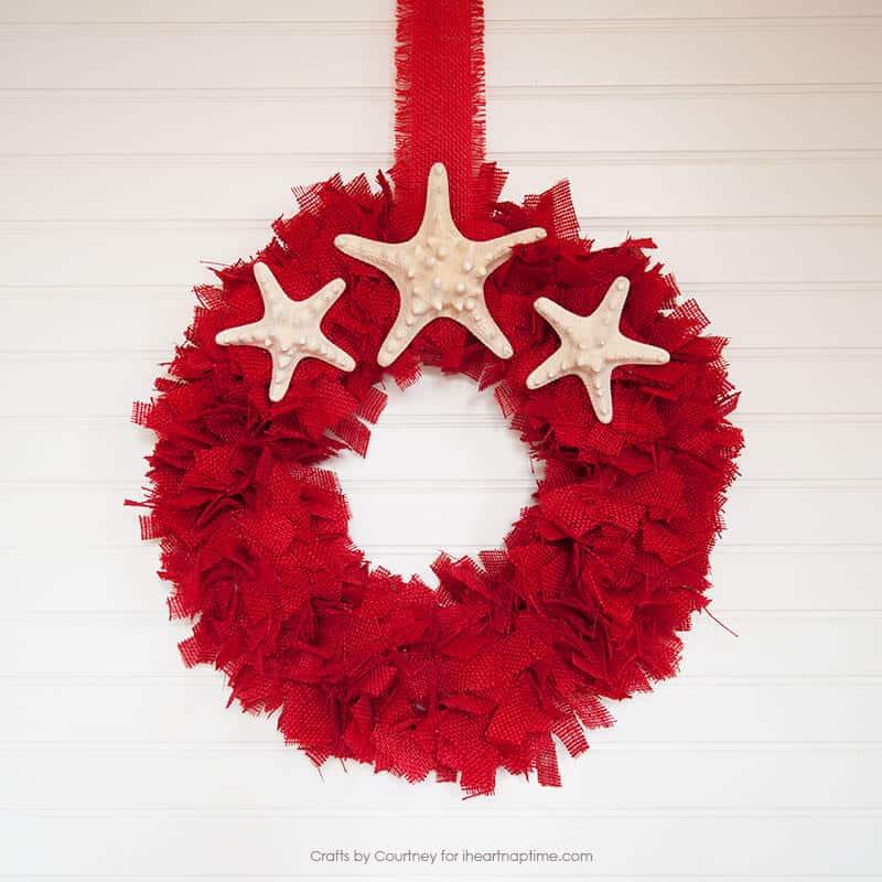 DIY Burlap Wreath for Christmas featured on iheartnaptime.com