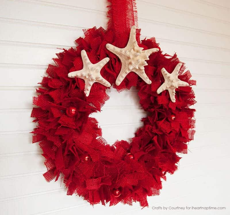 DIY Burlap Wreath for Christmas featured on iheartnaptime.com