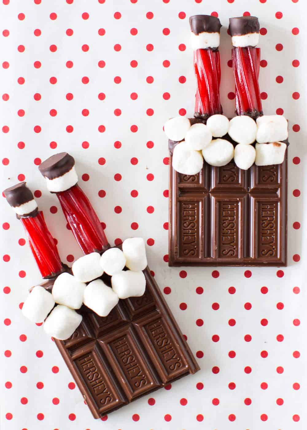 Santa HERSHEY bars -such a cute and easy Christmas treat!