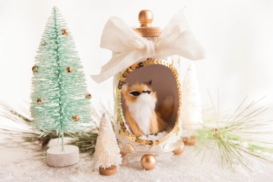 Beautiful Holiday Dioramas - amazingly easy to make, gorgeous and festive holiday dioramas to decorate any location in your home!