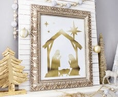 Gold Foil Manger Scene - free printable, available at iheartnaptime.com