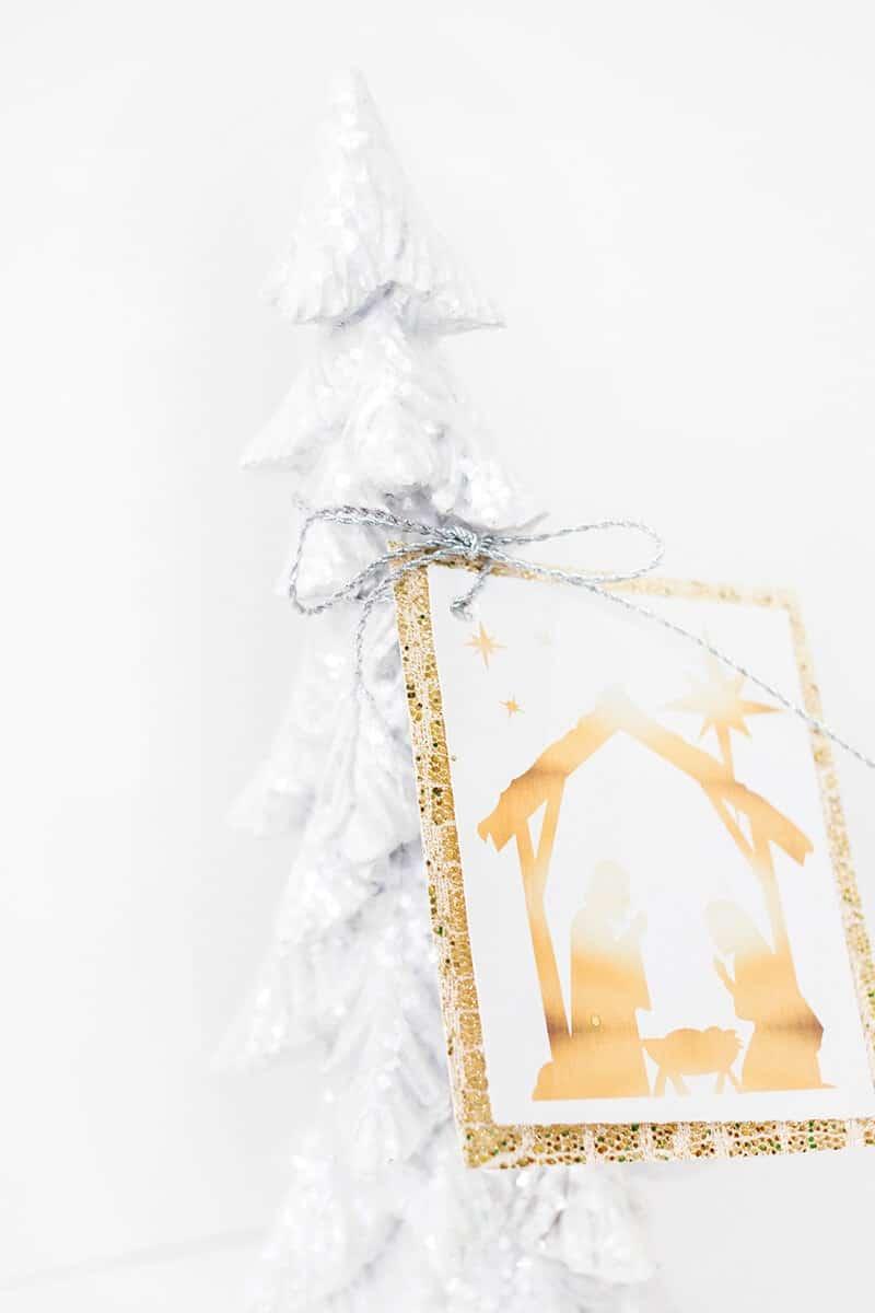 Nativity gift tag, free printable!