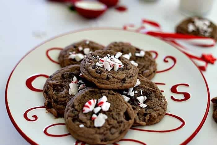 Peppermint Hot Cocoa Cookies - chocolaty marshmallows and peppermint in a soft, chewy, delicious cookie!