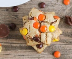 Reese's Pieces Blondies - elevating an easy blonde recipe to an amazing (and easy!) peanut butter chocolate treat!