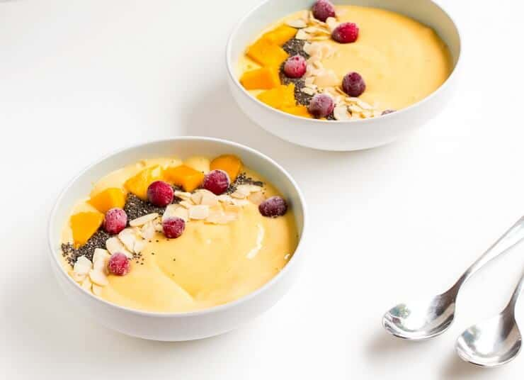 smoothie bowl mango banan