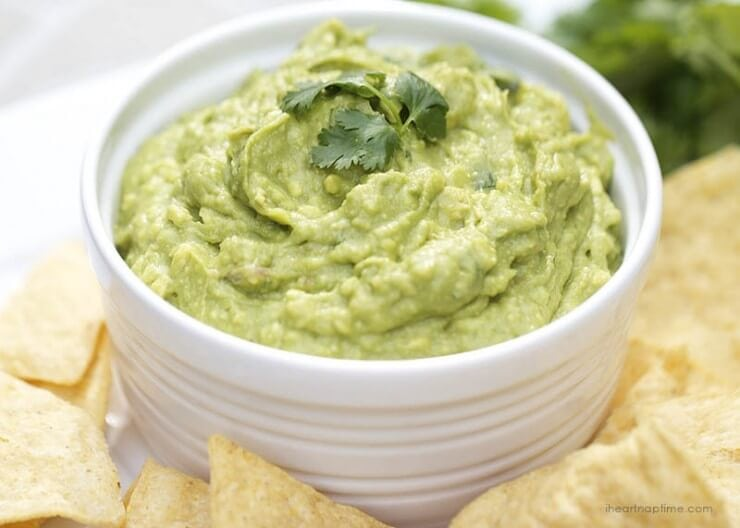 Best homemade guacamole | Top 50 St. Patrick's Day Green Food - have fun with St. Patrick's Day and surprise your family and friends with these fun, festive green recipes!