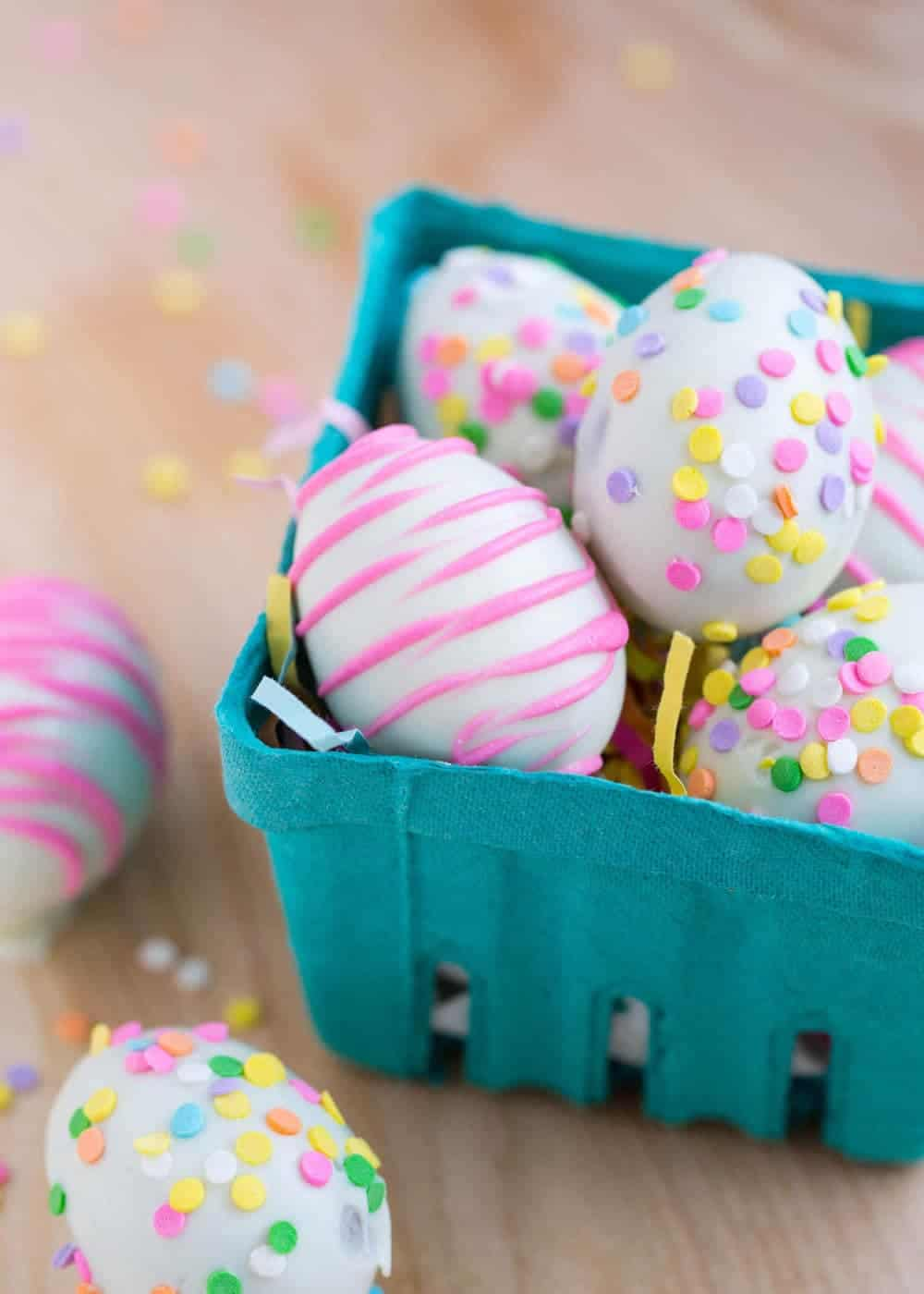 Decorated Cadbury Eggs - a fun and simple Easter treat that the kids can help with!