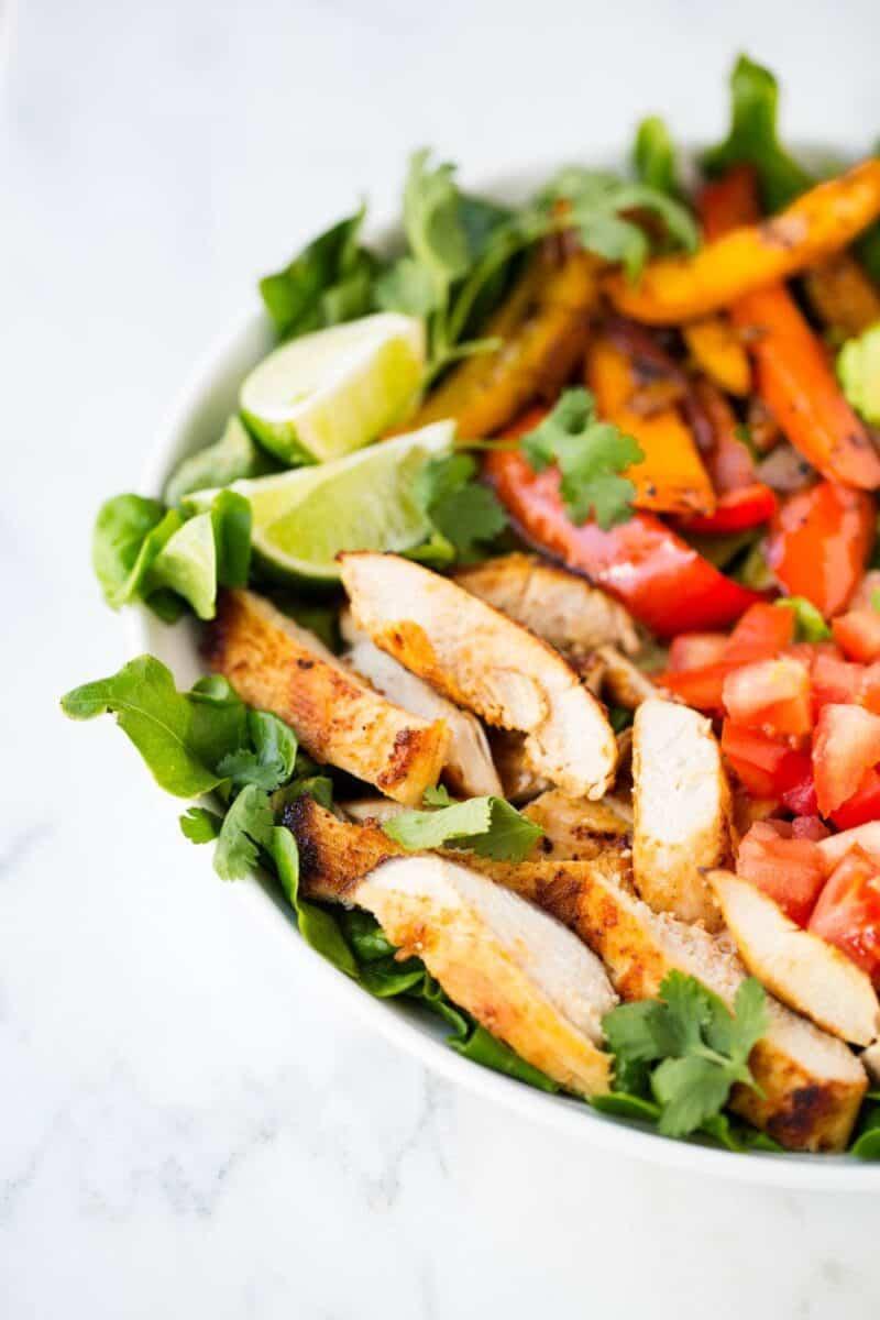 close up of fajita salad in bowl
