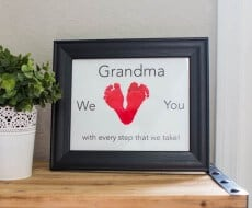 Mother's Day Gift with free download... such a cute DIY gift for Mother's or Father's Day! Inexpensive and a fun project to make with your little ones. Their cute little feet make the best hearts!