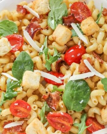 BLT Pasta Salad - this pasta salad is a fun twist on the classic bacon, lettuce, and tomato sandwich. Great for summer parties and picnics!