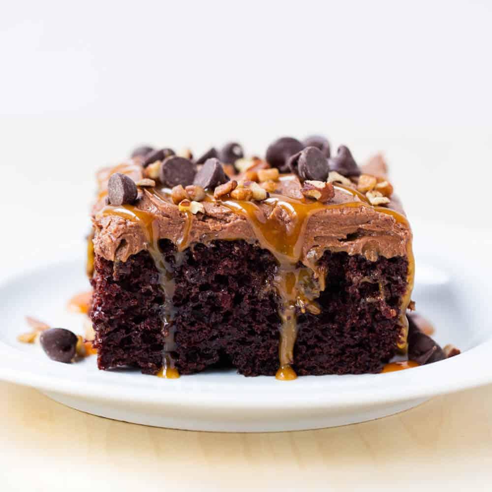 Caramel Turtle Poke Cake