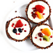 Delicious and easy to make Breakfast Fruit Tarts that are perfect for summer mornings. Healthy and so incredibly refreshing.