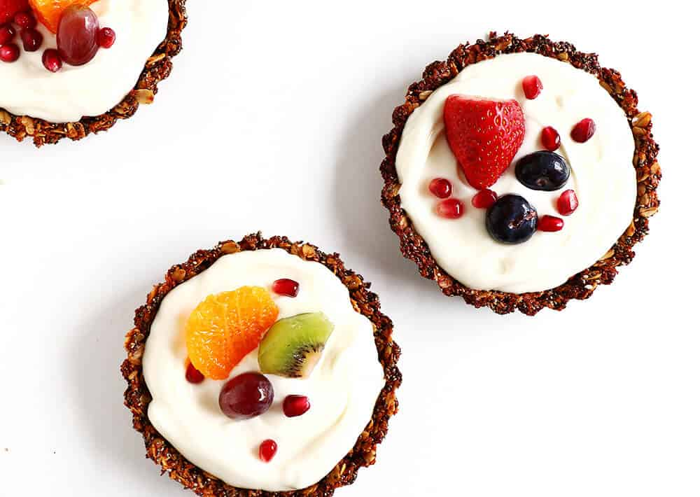 Breakfast Fruit Tarts... a beautiful spin on a health yogurt partfait