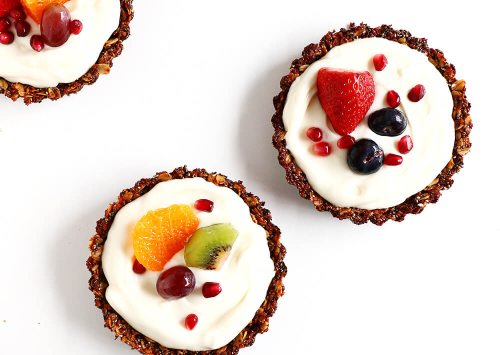 Breakfast Fruit Tarts... a beautiful spin on a health yogurt partfait