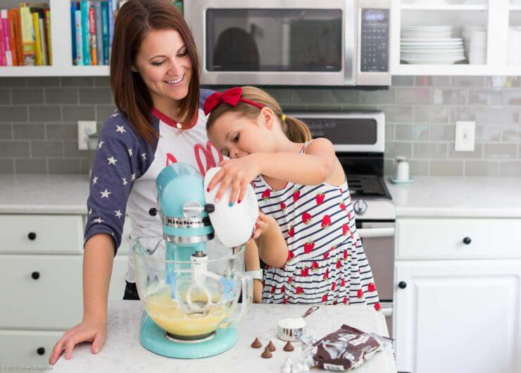 Baking with kids in the kitchen