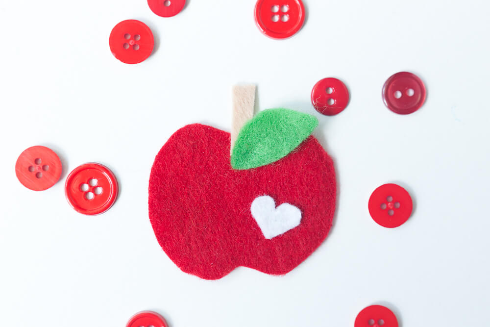 Felt Apple Keychain... completed apple