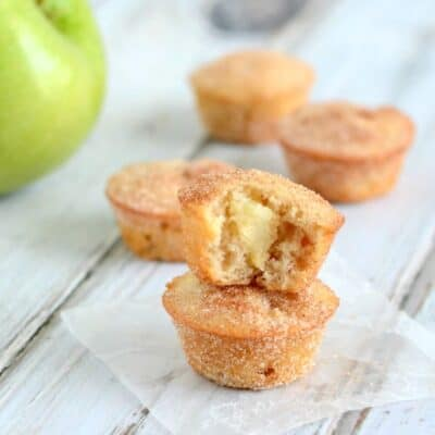 These Apple Snickerdoodle Mini Muffins are easy to make, and so delicious!