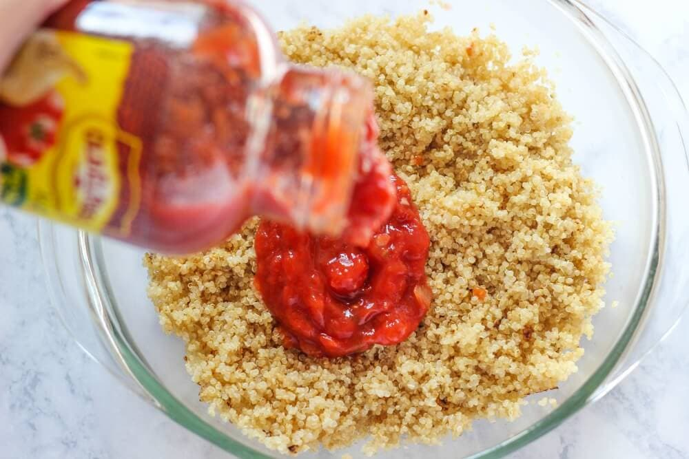 Make-Ahead Chicken Fajita Lunch Bowls... seasoning the quinoa.