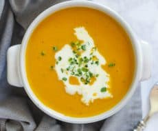 Creamy Sweet Potato Soup... a hearty and easy main dish soup recipe perfect for cold weather. So easy and delicious!