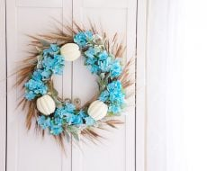 Fall Hydrangea Wreath... start decorating your home in the spirit of autumn!
